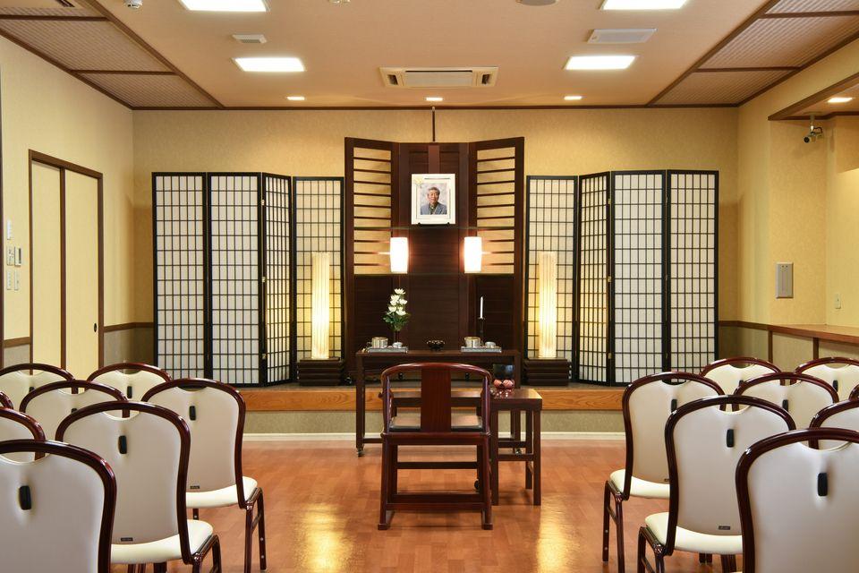 法要室:葬儀・告別式だけでなく、法要(初七日・四十九日・一周忌・初盆)も会館にて承っております。