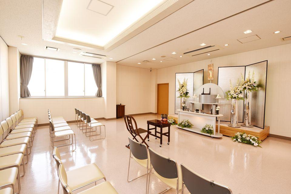 法要室:葬儀後の初七日法要から忌明け・初盆など各種法要にご利用いただけます。