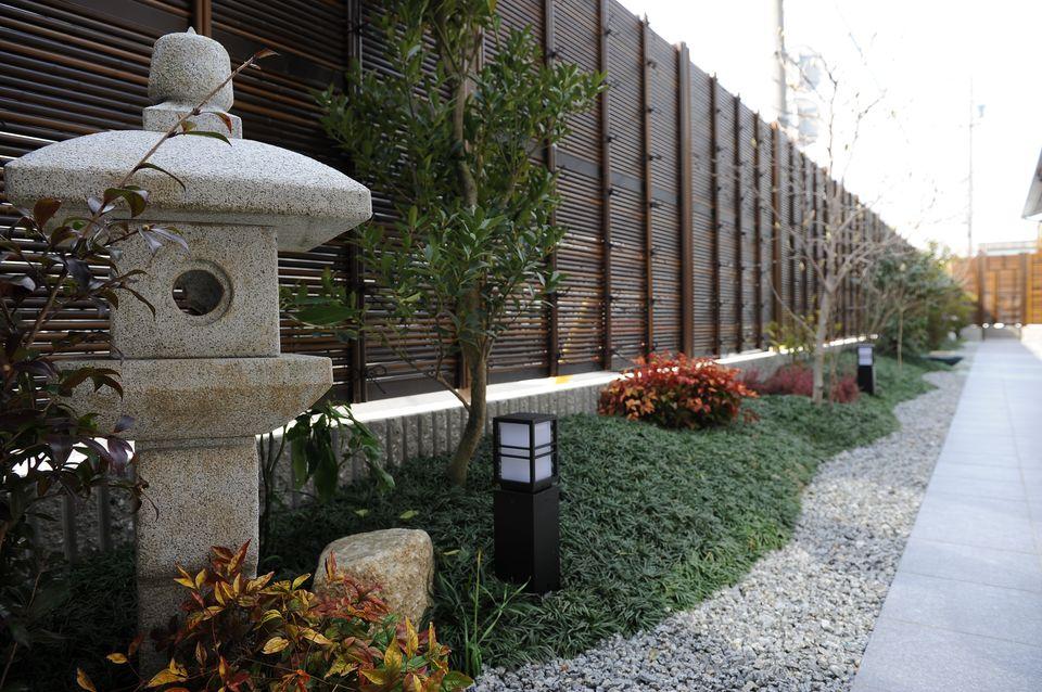 庭園:和を感じさせる風情ある庭園。